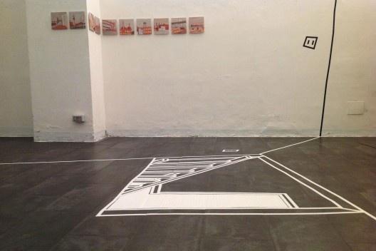 """Architettura del Disegno"", Galleria Srisa, desenho-instalação ""Vertigem"", sala 1, Florença, 2013. <br />Foto Zeuler Lima"