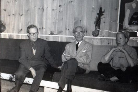 Josep Lluís Sert, Bernardo Giner de los Ríos y Moncha Sert. Casa Sert, Locust Valley (1952) [Archivo Alfonseca Giner de los Ríos]