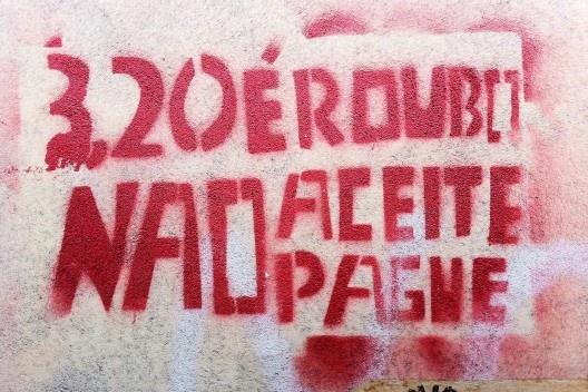 Pichação em parede de São Paulo do Movimento Passe Livre<br />Foto Abilio Guerra