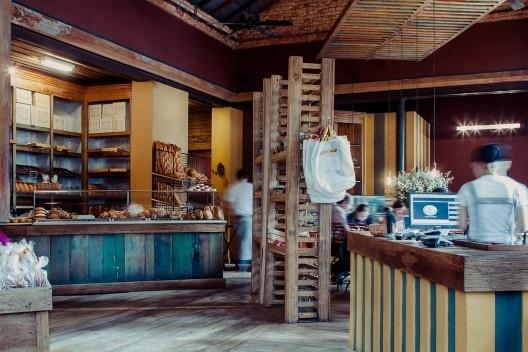 Casa Bonomi, panificadora, atualmente, ocupando casa de 1925 restaurada e adaptada ao novo uso<br />Foto divulgação  [Website Casa Bonomi]