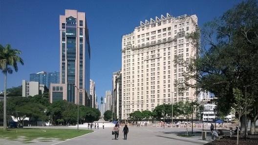Nova Praça Mauá, edifícios RB1 e A Noite, Rio de Janeiro<br />Foto Masao Kamita