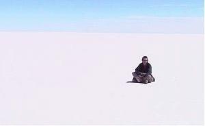 Salar de Yuni, Bolivia: um silêncio ensurdecedor.  [www.qyam.free.fr/Amerique/uyuni.htm]