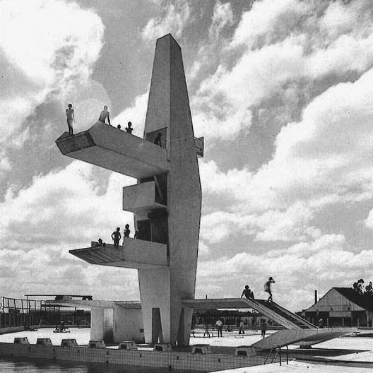 Conjunto Aquático da Associação Portuguesa de Desportos, São Paulo, 1962-1965. Arquitetos João Batista Vilanova Artigas e Carlos Cascaldi<br />Foto José Moscardi  [Acervo Vilanova Artigas/FAUUSP]