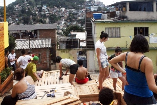 Mutirão no Morro do Jaburo, Encontro Regional dos Estudantes de Arquitetura da Regional Leste, Vitoria ES, setembro de 2016<br />Foto Marcos Antonio Francelino da Silva