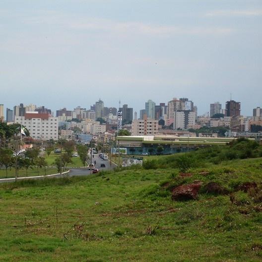 Panorâmica do centro de Uberlândia MG<br />Foto Camillo Vitalino  [Wikimedia Commons]