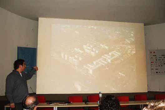 Palestra de Marcos Boldarini. NonaBia – 9ª Bienal Internacional de Arquitetura de São Paulo. 2011<br />Foto Erica Lemos Gil