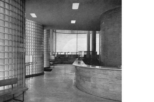 Banco Boavista<br />Foto Jean Manzon Landau  [PAPADAKI, Stamo. <i>The Work of Oscar Niemeyer</i>, 1950]