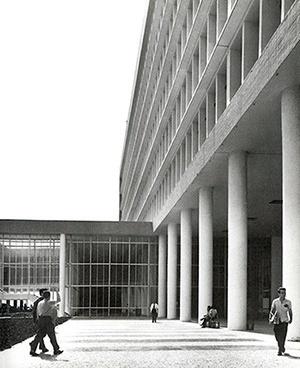 Faculdade de Arquitetura e Urbanismo da UFRJ, arquiteto Jorge Machado Moreira [Jorge Machado Moreira. CAU-RJ, Rio de Janeiro, 1999]