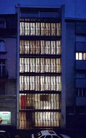 Figura 8 – Edifício de apartamentos na Schützenmattstrasse, Basiléia, Suíça. Concurso 1984/1985, projeto 1991, realização 1992/93 <br />Foto The Pritzker Architecture Prize