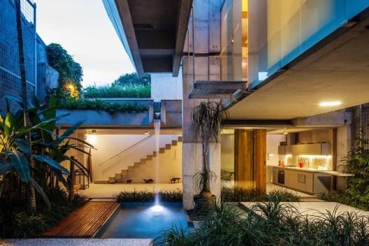 Casa de Final de Semana, São Paulo, 2010-2011. Arquiteto Angelo Bucci / SPBR Arquitetos<br />Foto Nelson Kon