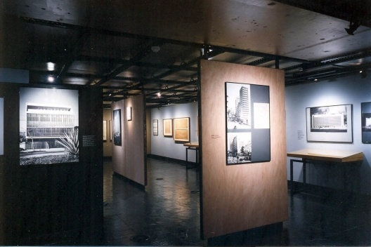 """Exposição """"Jorge Machado Moreira"""" no Centro de Arquitetura e Urbanismo do Rio de Janeiro. Curadoria de Jorge Czajkowski, março a maio de 1999<br />Foto divulgação  [CAU SMU PCRJ]"""