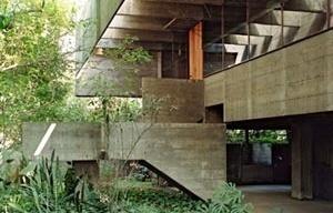 Vista externa da casa de Paulo Mendes da Rocha (1963) [Nelson Kon]