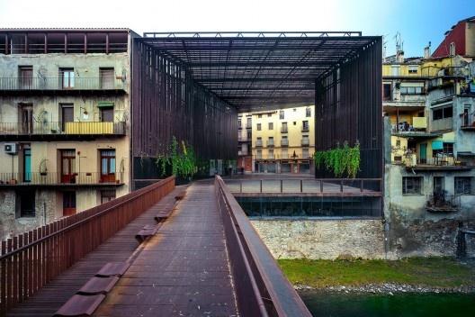 Teatro e Espaço Público Aberto La Lira, 2011, Ripoll, Girona, Espanha. Em colaboração com J. Puigcorbé<br />Foto Hisao Suzuki