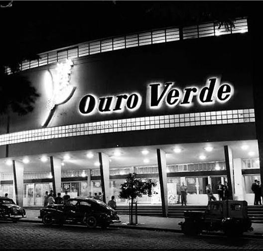 Cine Teatro Ouro Verde, Londrina, 1948-1952, arquitetos Vilanova Artigas e Carlos Cascaldi<br />Foto de Yutaka Yasunaka  [Wikimedia Commons]
