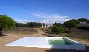Arquitextos a casa elementar casa na costa for Piscina 02 manuel becerra