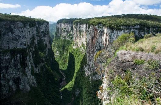 Cânion do Itaimbezinho, Parque Nacional dos Aparados da Serra, Cambará do Sul RS, Brasil<br />Foto José Tabacow