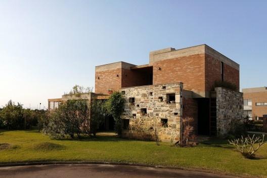 Casa Los Muros