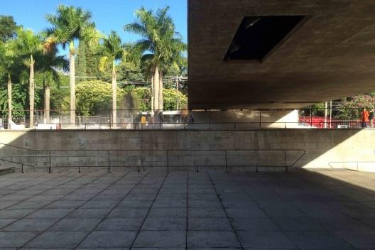 Museu da Escultura - MuBE, 1995, arquiteto Paulo Mendes da Rocha (Mackenzie, 1954)<br />Foto Abilio Guerra