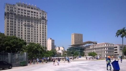 Nova Praça Mauá, vista do edifício A Noite e do MAR, Rio de Janeiro<br />Foto Masao Kamita