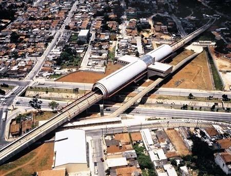 Figura 12 - Estação de Metrô Pêssego, São Paulo<br />Foto Cristiano Mascaro