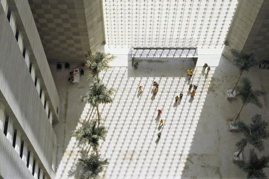 Fórum Trabalhista Ruy Barbosa, São Paulo, arquiteto Décio Tozzi<br />Foto Nelson Kon