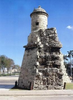 Torreón que se conserva de la antigua Muralla de La Habana