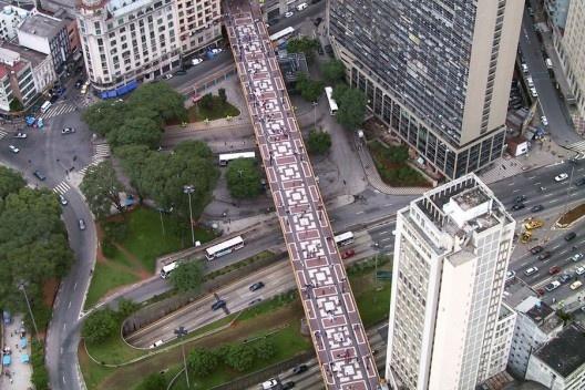 Viaduto Santa Efigênia, Vale do Anhangabaú, São Paulo<br />Foto Nelson Kon