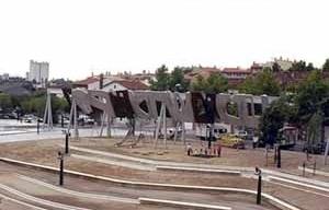 Parque de Santa Rosa en Mollet del Vallés, Enric Miralles y Benedetta Tagliabue