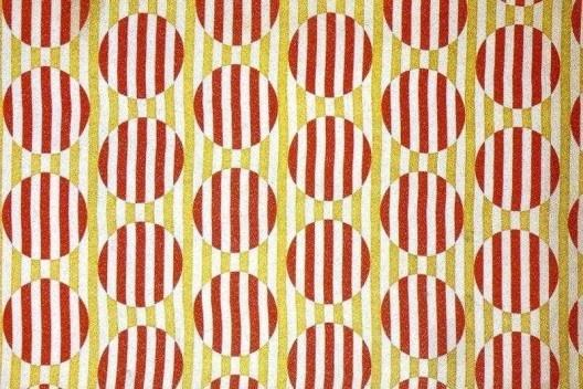 Exposição <i>Vkhutemas: o futuro em construção (1918-2018)</i>, padrão têxtil de Varvara Stepanova, recriação Oficina Sesc Pompeia/coordenação Celso Lima<br />Foto Ethel Leon