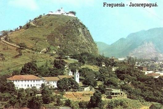 Penedo da Igreja Nossa Senhora da Pena<br />Foto Cartão Postal
