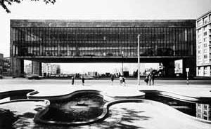 MASP visto do Trianon  [Museu de Arte de São Paulo, São Paulo: Editora Blau, 1997]