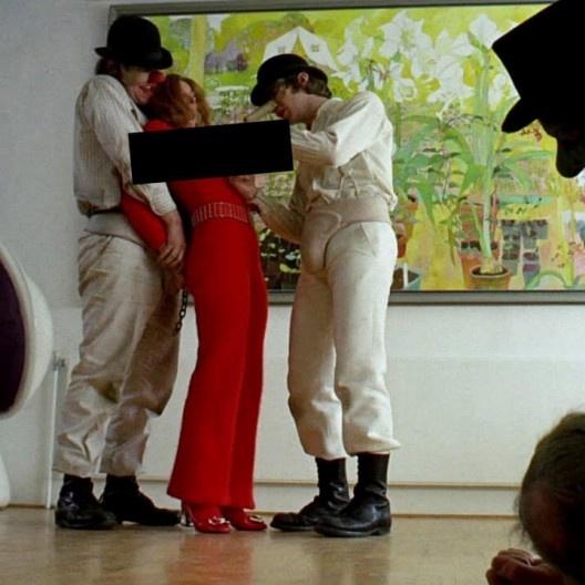 """Fotograma com tarja da censura brasileira do filme """"Laranja mecânica"""" (A Clockwork Orange, 1971), direção de Stanley Kubrick<br />Foto divulgação"""
