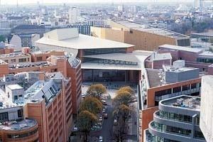 Vista geral de Potsdamer Platz [Renzo Piano Building Workshop]