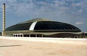 Ginásio Olímpico de Barcelona. Arquiteto Arata Isozaki<br />Foto AG