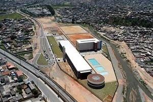 CEU Jambeiro, São Paulo. Arquitetos Alexandre Delijaicov, André Takiya e Wanderley Ariza<br />Foto David Rego Jr