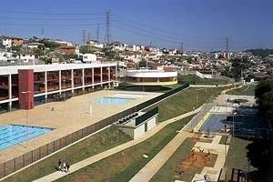 CEU Butantã, São Paulo. Aquitetos Alexandre Delijaicov, André Takiya e Wanderley Ariza<br />Foto Nelson Kon