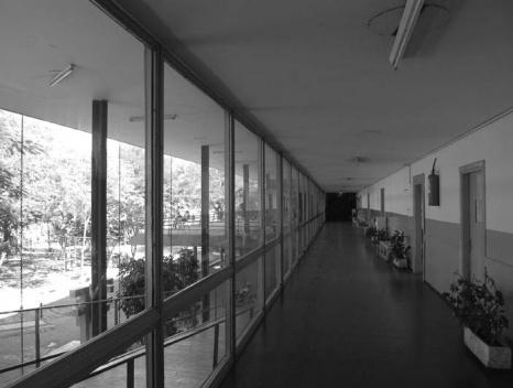 Bloque de aulas desde el interior<br />Julio Cesar Diarte