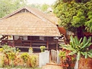 Figura 6: Residência do Arq. M. Monte (Mosqueiro - PA - Brasil) – tipo casa-pátio (varanda) [Arquivo pessoal - K. Perdigão]