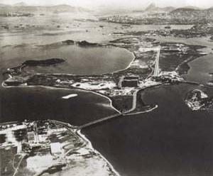 Ilha do Fundão, vista aérea [Acervo Jorge Machado Moreira, catálogo organizado por Jorge Czajkowski, Rio de Janeiro, 19]