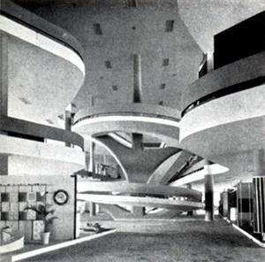 Interio do Pavilhão das Indústrias, Parque do Ibirapuera, São Paulo, Oscar Niemeyer e equipe, 1953 [Modern Architeture in Brazil, de Henrique Mindlin, 1956]