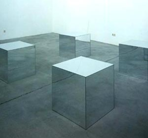 Fig. 6: Four Mirrored Cubes - Robert Morris, 1965 [www.simonleegallery.com]