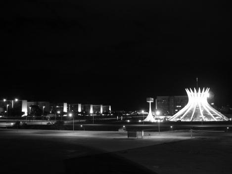 Catedral de Brasília (oficialmente: Catedral Metropolitana de Brasília)<br />Foto Eduardo Pierrotti Rossetti