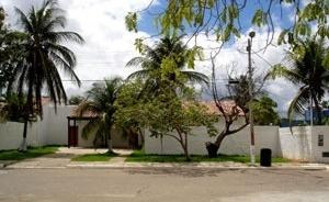 Fachada de residência N2A<br />Foto Neusa Lima