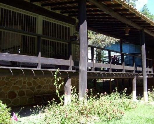 Casa Accioly, fachada frontal, Petrópolis, 1949-1951<br />Foto Marcia Poppe, 2003