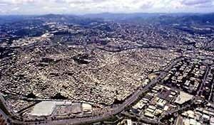 Favela de Petare, com 1milhão de habitantes, Caracas, Venezuela<br />Foto Gabriel Jáuregui