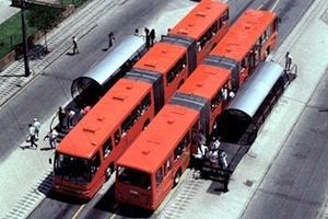 Biarticulados e estações-tubo, Curitiba [IPPUC]
