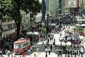 Calçadão da Rua XV de Novembro, Centro de Curitiba<br />Foto Juliano Martins/SMCS  [PMC]