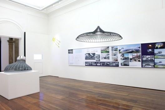 """Exposição """"A arquitetura de Lelé: fábrica e invenção"""", curadoria é de Max Risselada, 20 de julho a 19 de setembro de 2010<br />Foto divulgação  [Acervo MCB]"""