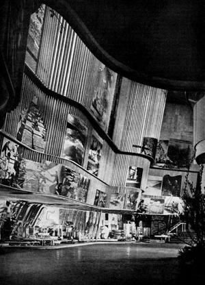 Interior do pavilhão da Feira de Nova York (1939) [L'Architecture D'Aujourd'Hui, nº 29, ab. 1950]