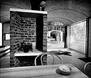 Interior da casa de Week-end [BOESIGER, Willy. Le Corbusier. São Paulo, Martins Fontes, 1994]